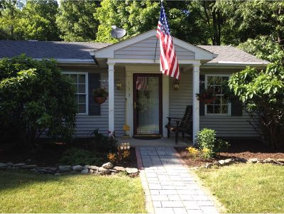 Clinton Single Family Home For Sale: 713 Slate Quarry