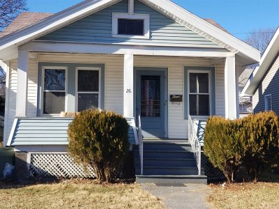 Poughkeepsie City Single Family Home For Sale: 26 Edgar St
