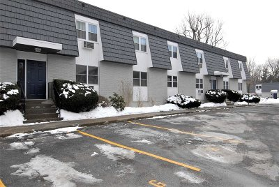 Wappinger Condo/Townhouse For Sale: 16 White Gate Rd #F