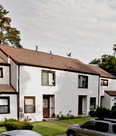 Dutchess County Condo/Townhouse For Sale: 34 Sycamore Dr