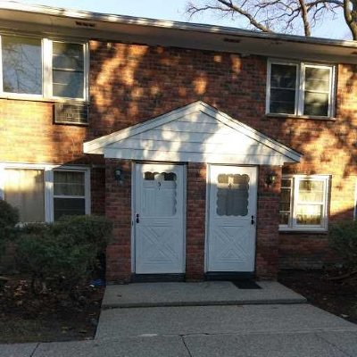 Poughkeepsie Twp Condo/Townhouse For Sale: 2710 South Rd #C4