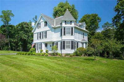 Pawling Single Family Home For Sale: 392 Old Quaker Hill Rd