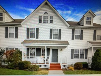Pawling Condo/Townhouse For Sale: 41 Nathan Pierce Ct