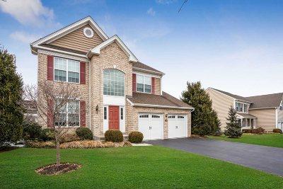 Fishkill Single Family Home For Sale: 126 Stony Brook Rd