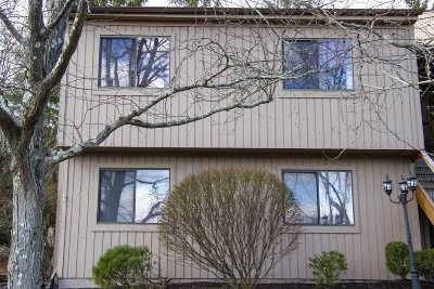 Poughkeepsie City Condo/Townhouse For Sale: 3602 Deer Path