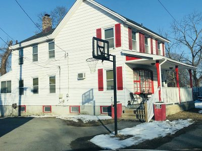 Poughkeepsie City Single Family Home For Sale: 30 Reservior Square