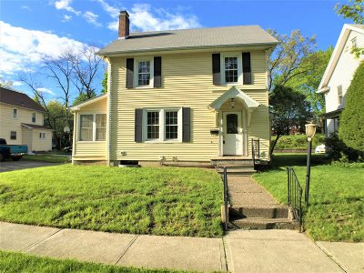 Dutchess County Single Family Home For Sale: 2 Lindbergh Pl