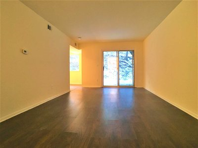Poughkeepsie Twp Condo/Townhouse For Sale: 26 Cooper Rd #910