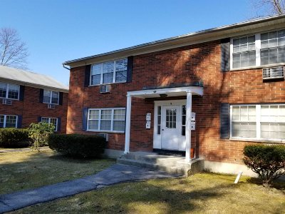 Wappinger Condo/Townhouse For Sale: 5 Wildwood Dr #9C