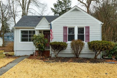 Poughkeepsie City Single Family Home For Sale: 18 Underhill Ave