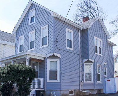 Poughkeepsie City Single Family Home For Sale: 79 S Cherry St