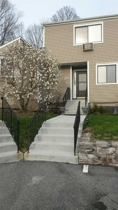 Southeast Condo/Townhouse For Sale: 22 Brewster Woods