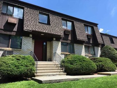 Poughkeepsie Twp Condo/Townhouse For Sale: 1806 Cherry Hill Dr