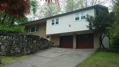 Poughkeepsie Twp Single Family Home For Sale: 7 Brooklands Farm Rd
