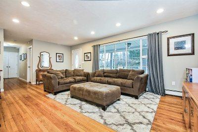 East Fishkill Single Family Home For Sale: 17 Carpenter Rd