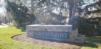 Fishkill Condo/Townhouse For Sale: Locust Ct #2F