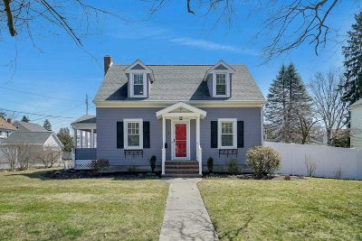 Poughkeepsie City Single Family Home For Sale: 3 Kingston Ave