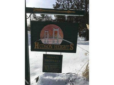 Poughkeepsie City Condo/Townhouse For Sale: 6 Hudson Height Dr.