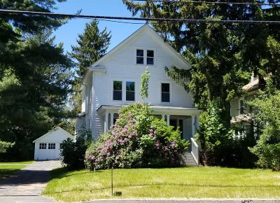 Poughkeepsie Twp Single Family Home For Sale: 323 Violet Ave
