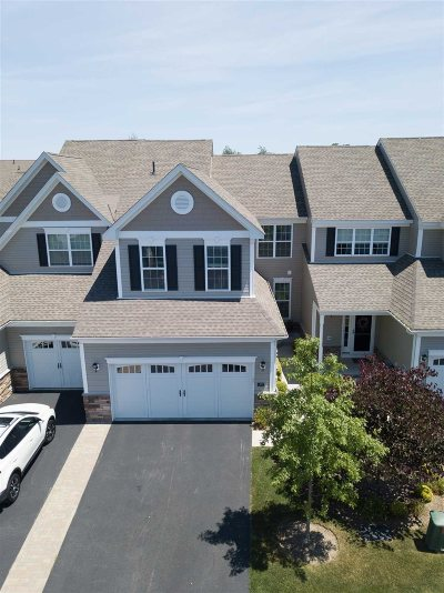 Fishkill Condo/Townhouse For Sale: 29 Evan Ct