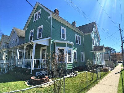 Poughkeepsie City Single Family Home For Sale: 31 Harrison St