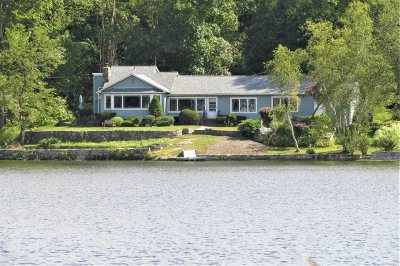 Pawling Single Family Home For Sale: 92 Lake Dutchess Ct