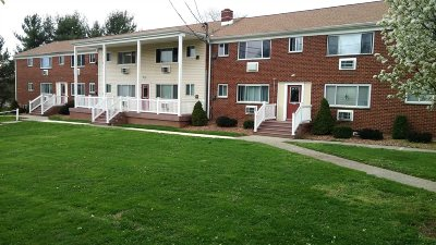 Dutchess County Condo/Townhouse For Sale: 300 Ketchamtown Rd #C-3