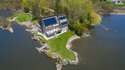 Hyde Park NY Single Family Home For Sale: $2,000,000