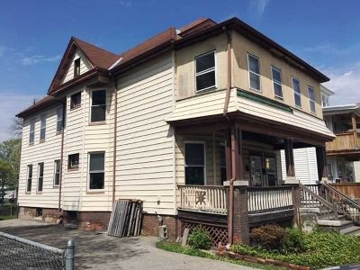 Poughkeepsie City Multi Family Home For Sale: 20 Fountain Place