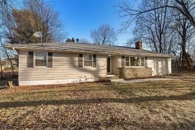 La Grange Single Family Home For Sale: 111 Macghee Rd