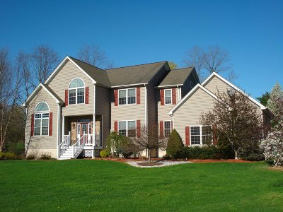 Pleasant Valley Single Family Home For Sale: 15 McCulloch Ln