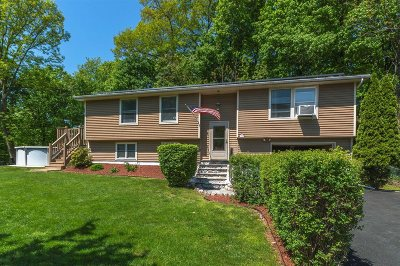 Beacon Single Family Home For Sale: 7 Tracey Drive