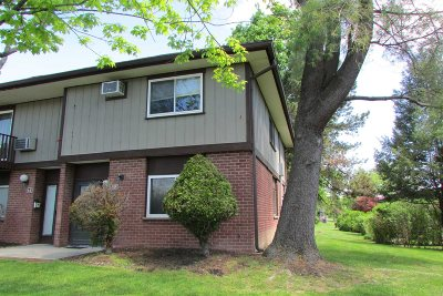 Fishkill Condo/Townhouse For Sale: 2 Millholland Dr #F