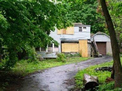 Hyde Park Single Family Home For Sale: 609 Salt Point Tpke