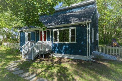 Hyde Park Single Family Home For Sale: 68 Cardinal Rd