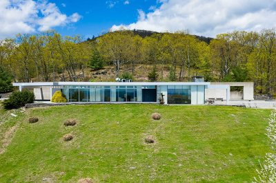 Single Family Home For Sale: 202 Dancing Rock Road