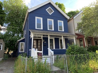 Poughkeepsie City Single Family Home For Sale: 334 Mansion St