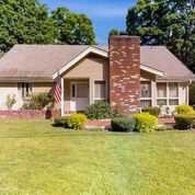 Putnam County Single Family Home For Sale: 5 E Belvedere St