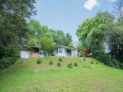 Kingston Single Family Home For Sale: 175 Hooker St