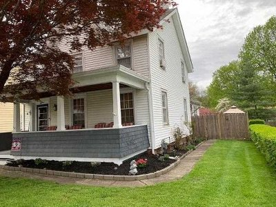 Single Family Home For Sale: 18 S Mesier Ave
