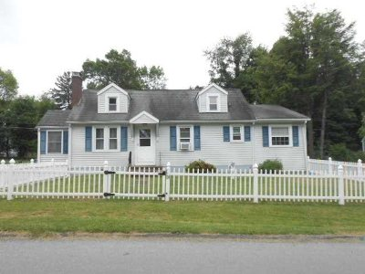Hyde Park Single Family Home For Sale: 24 Greenbush Dr