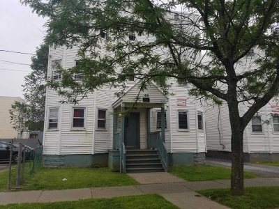 Poughkeepsie City Multi Family Home For Sale: 168 Winnikee Ave