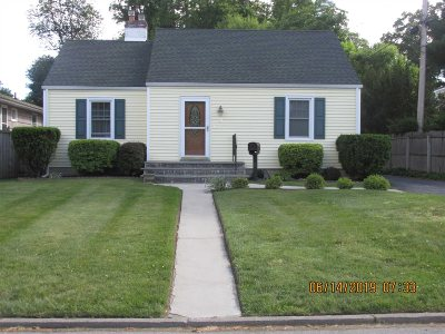 Poughkeepsie City Single Family Home For Sale: 14 Ruppert Rd.