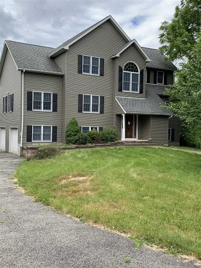East Fishkill Single Family Home For Sale: 139 Hollyberry Dr