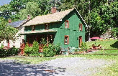 Rhinebeck Single Family Home For Sale: 70 Kelly Street