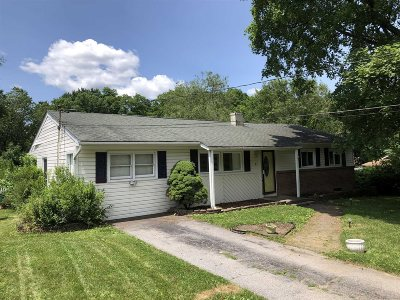 Poughkeepsie Twp Single Family Home For Sale: 8 Oriole Dr