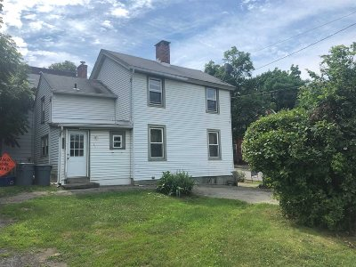 Poughkeepsie City Single Family Home For Sale: 21 Whinfield St
