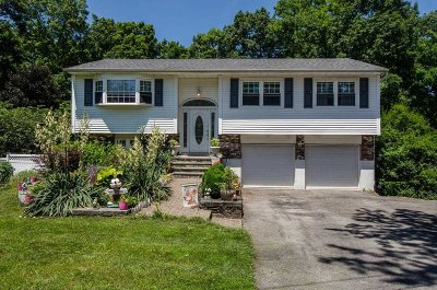 Poughkeepsie Twp Single Family Home For Sale: 5 Mark Ct