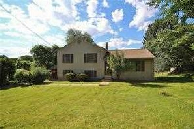 Poughkeepsie Twp Single Family Home For Sale: 7 Brian Rd