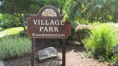 Fishkill Condo/Townhouse For Sale: 17 Village Park Dr. #1D